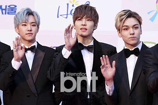 [PRESS] 160114 SEVENTEEN at Seoul Music Awards (Red Carpet) #세븐틴 #서울가요대상 (40)