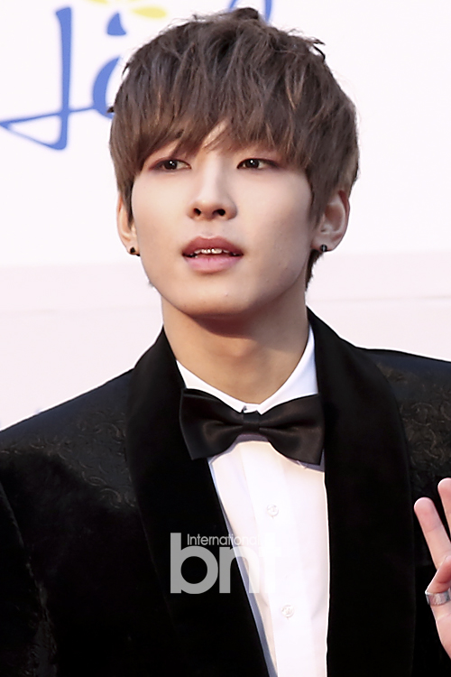 [PRESS] 160114 SEVENTEEN at Seoul Music Awards (Red Carpet) #세븐틴 #서울가요대상 (43)