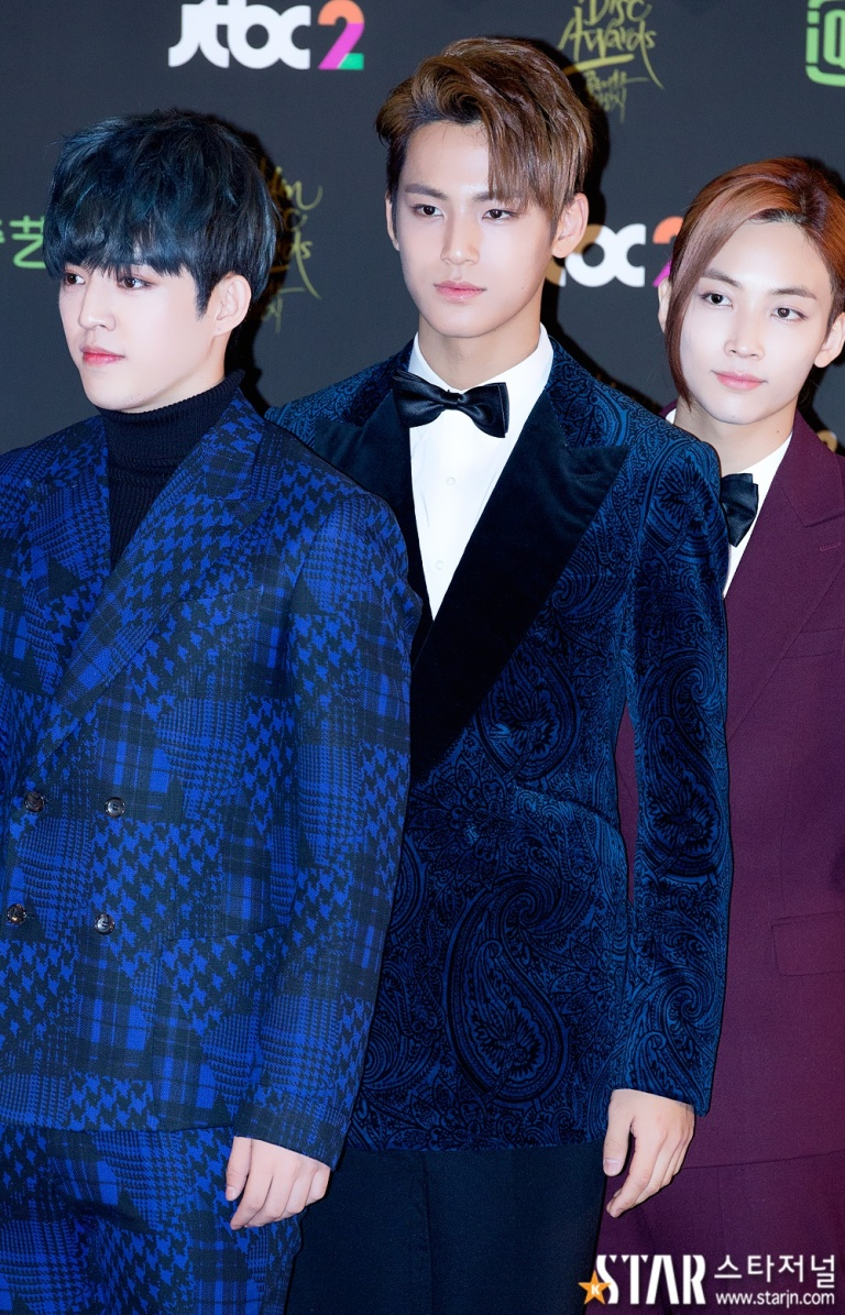 [PRESS] 160121 SEVENTEEN at 30th Golden Disc Awards Red Carpet (21)