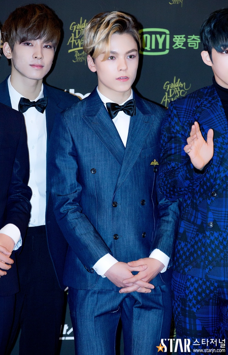 [PRESS] 160121 SEVENTEEN at 30th Golden Disc Awards Red Carpet (24)