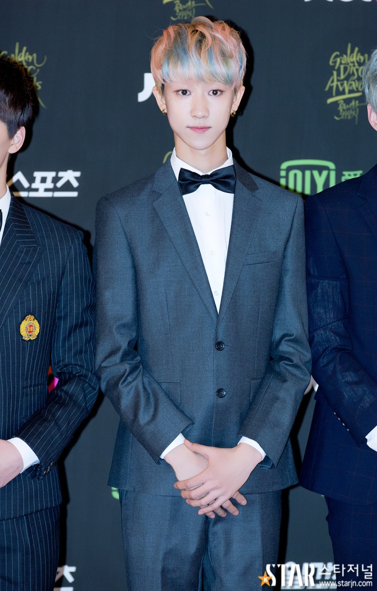[PRESS] 160121 SEVENTEEN at 30th Golden Disc Awards Red Carpet (26)