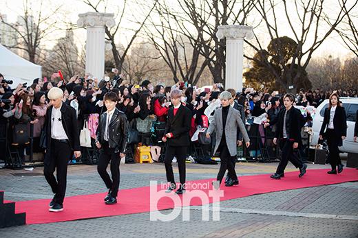 [PRESS] 160217 Seventeen at '5th Gaon Chart K-POP Awards!' #SEVENTEEN #세븐틴 #GaonChartAwards #가온차트 (43)