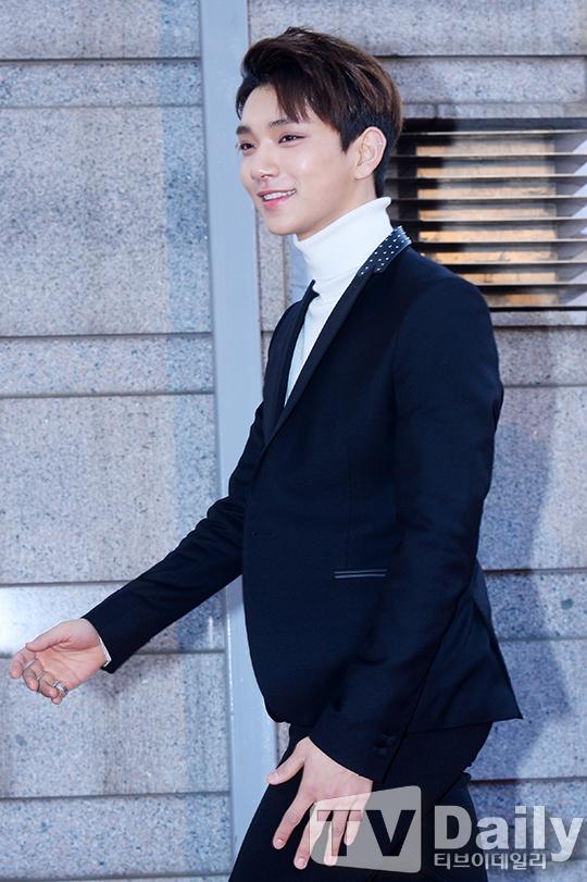 [PRESS] 160217 Seventeen at '5th Gaon Chart K-POP Awards!' #SEVENTEEN #세븐틴 #GaonChartAwards #가온차트 (8)