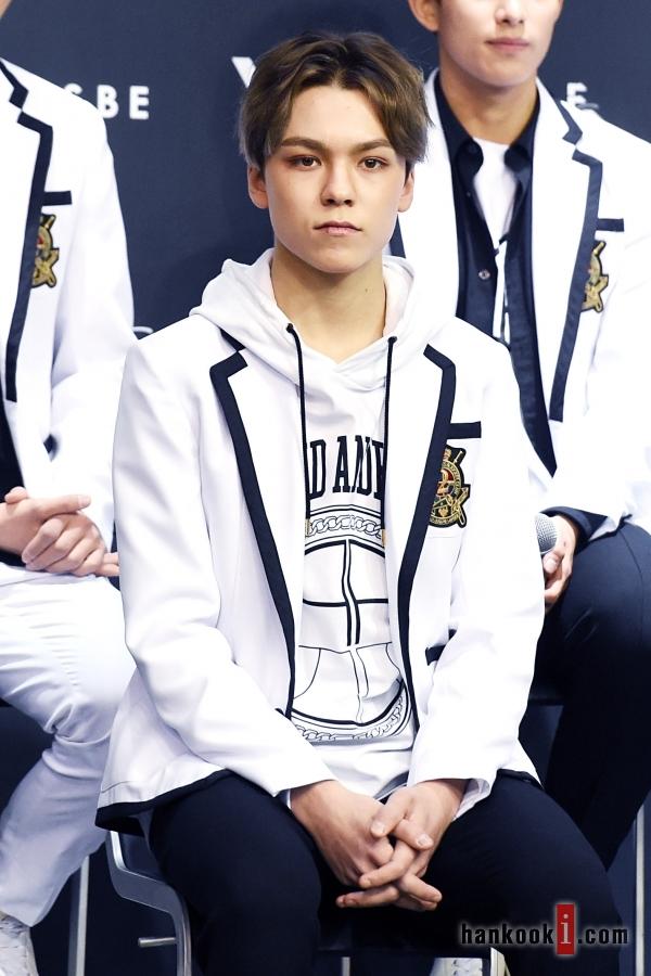 [PRESS] SEVENTEEN 'Like Seventeen - Boys Wish' Encore Concert Press Conference #세븐틴 #SEVENTEEN (44)