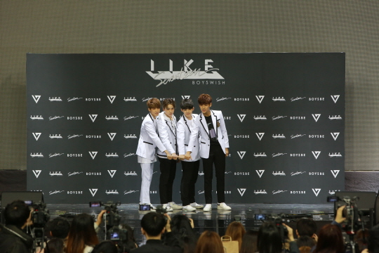 [PRESS] SEVENTEEN 'Like Seventeen - Boys Wish' Encore Concert Press Conference #세븐틴 #SEVENTEEN (89)
