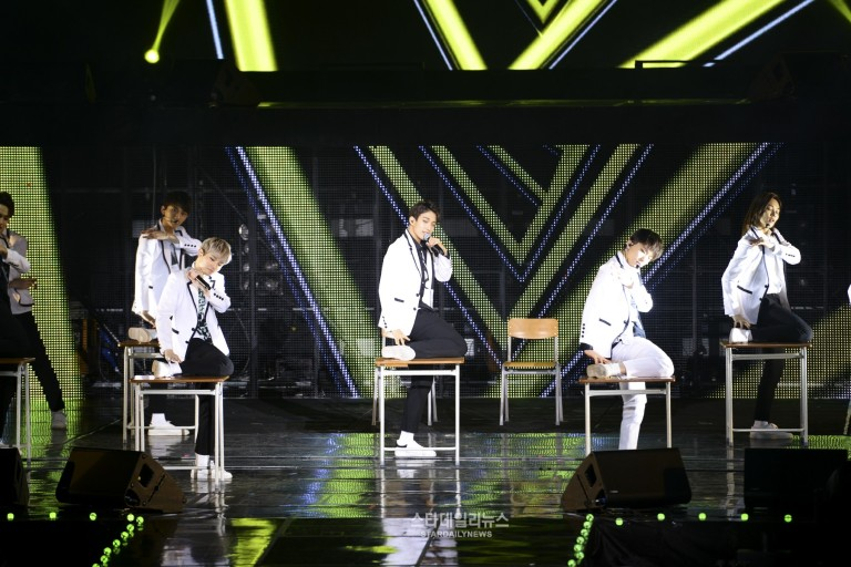 [PRESS] SEVENTEEN 'Like Seventeen - Boys Wish' Encore Concert Stage #세븐틴 #SEVENTEEN (23)