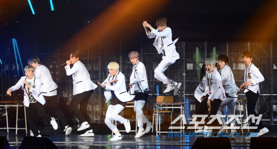 [PRESS] SEVENTEEN 'Like Seventeen - Boys Wish' Encore Concert Stage #세븐틴 #SEVENTEEN (83)