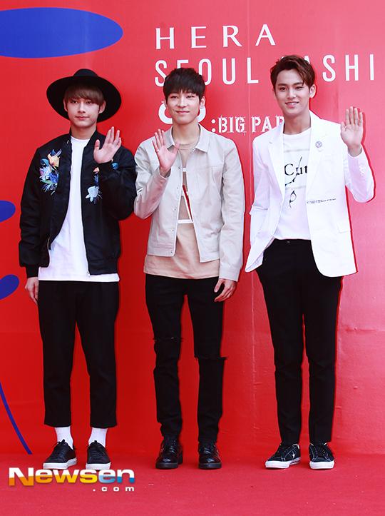 [PRESS] 160323 Seventeen Jun, Wonwoo & Mingyu at 2016 FW HERA Seoul Fashion Week (18)