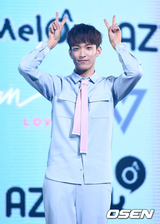 [PRESS] 160424 SEVENTEEN Showcase Press Conference + Stage Photos #세븐틴 #예쁘다 (32)