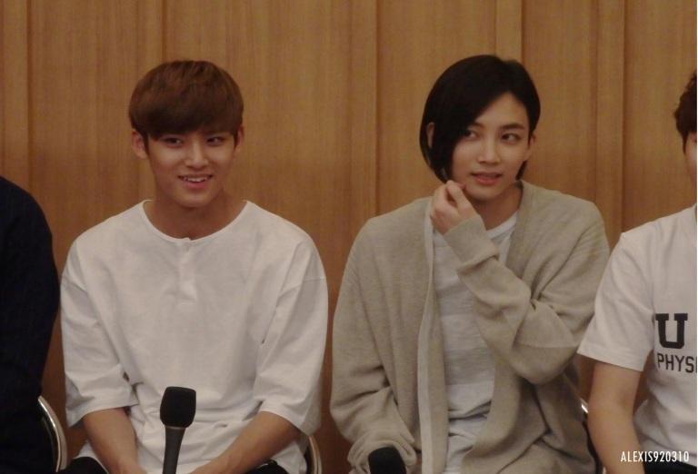 [OFFICIAL] 160502 SBS Cultwo Show Update 26P HD #SEVENTEEN #세븐틴 #예쁘다 #두시탈출컬투쇼 (12)