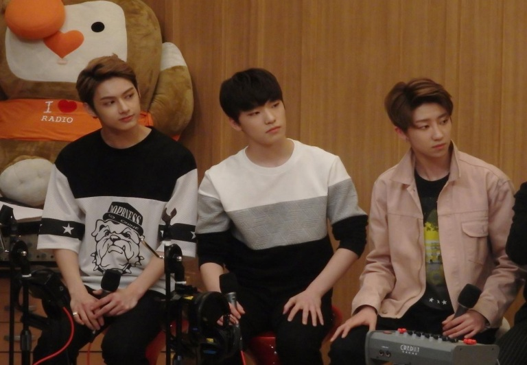 [OFFICIAL] 160502 SBS Cultwo Show Update 26P HD #SEVENTEEN #세븐틴 #예쁘다 #두시탈출컬투쇼 (25)