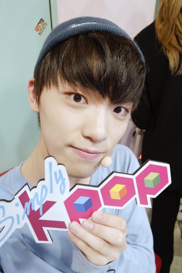 [OFFICIAL] 160504 Simply Kpop Twitter Update #SEVENTEEN #세븐틴 #예쁘다 (1)