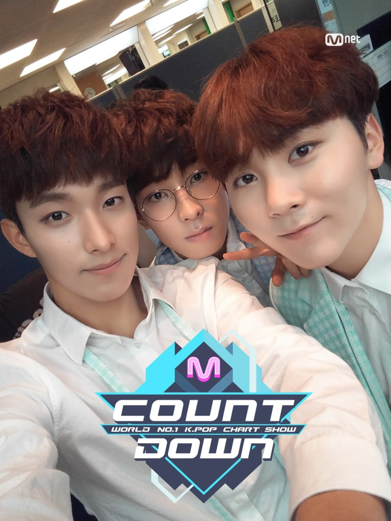 [OFFICIAL] 160512 MCOUNTDOWN Twitter Update #세븐틴 #예쁘다 (4)