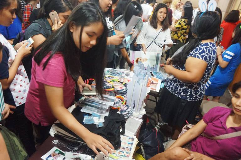 [PHOTOS] 160522 SEVENTEEN Philippines Carats Wish 1st Anniversary Fan Gathering (13)