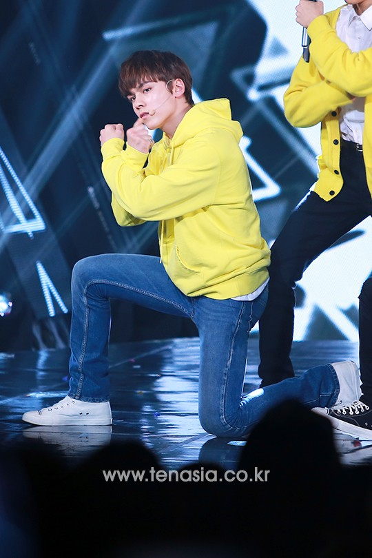 [PRESS] 160503 Seventeen at SBS MTV The Show 88P @SBS_MTV #세븐틴 #더쇼 #예쁘다 (21)