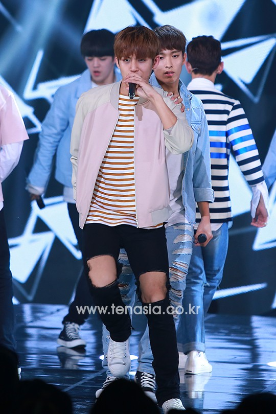 [PRESS] 160503 Seventeen at SBS MTV The Show 88P @SBS_MTV #세븐틴 #더쇼 #예쁘다 (31)