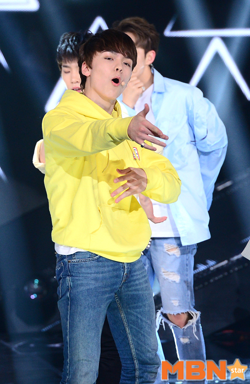 [PRESS] 160503 Seventeen at SBS MTV The Show 88P @SBS_MTV #세븐틴 #더쇼 #예쁘다 (41)