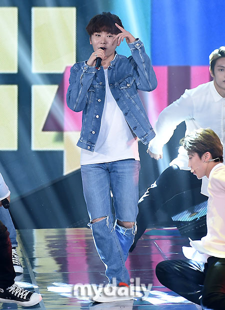 [PRESS] 160503 Seventeen at SBS MTV The Show 88P @SBS_MTV #세븐틴 #더쇼 #예쁘다 (44)