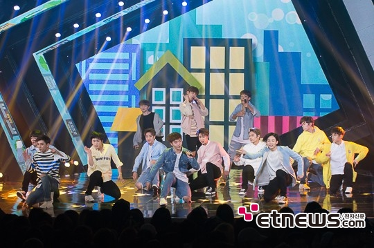 [PRESS] 160503 Seventeen at SBS MTV The Show 88P @SBS_MTV #세븐틴 #더쇼 #예쁘다 (52)