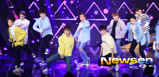 [PRESS] 160503 Seventeen at SBS MTV The Show 88P @SBS_MTV #세븐틴 #더쇼 #예쁘다 (68)