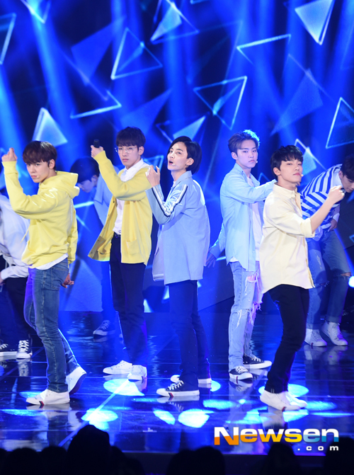 [PRESS] 160503 Seventeen at SBS MTV The Show 88P @SBS_MTV #세븐틴 #더쇼 #예쁘다 (74)