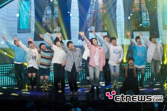 [PRESS] 160504 Seventeen 1st Win at MBC Show Champion #SEVENTEEN1stWin #PrettyU1stWin #세븐틴 #1위 #예쁘다 (125)