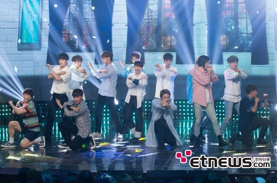 [PRESS] 160504 Seventeen 1st Win at MBC Show Champion #SEVENTEEN1stWin #PrettyU1stWin #세븐틴 #1위 #예쁘다 (126)