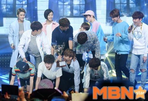 [PRESS] 160504 Seventeen 1st Win at MBC Show Champion #SEVENTEEN1stWin #PrettyU1stWin #세븐틴 #1위 #예쁘다 (130)
