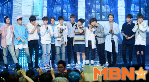 [PRESS] 160504 Seventeen 1st Win at MBC Show Champion #SEVENTEEN1stWin #PrettyU1stWin #세븐틴 #1위 #예쁘다 (132)