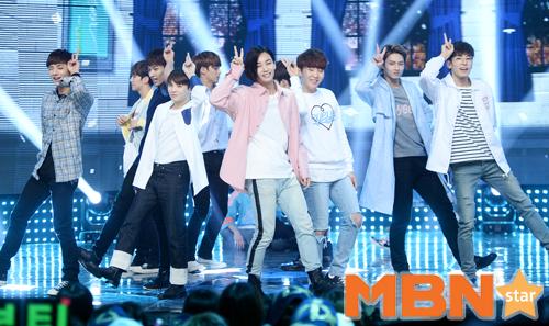 [PRESS] 160504 Seventeen 1st Win at MBC Show Champion #SEVENTEEN1stWin #PrettyU1stWin #세븐틴 #1위 #예쁘다 (135)
