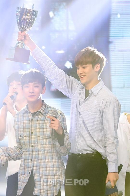[PRESS] 160504 Seventeen 1st Win at MBC Show Champion #SEVENTEEN1stWin #PrettyU1stWin #세븐틴 #1위 #예쁘다 (139)