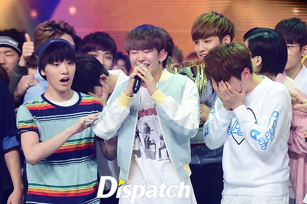 [PRESS] 160504 Seventeen 1st Win at MBC Show Champion #SEVENTEEN1stWin #PrettyU1stWin #세븐틴 #1위 #예쁘다 (32)