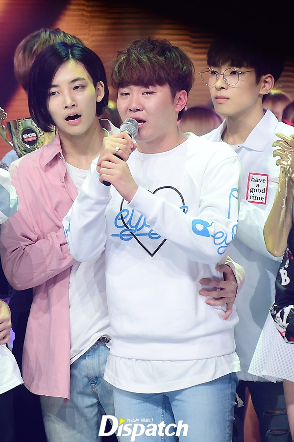 [PRESS] 160504 Seventeen 1st Win at MBC Show Champion #SEVENTEEN1stWin #PrettyU1stWin #세븐틴 #1위 #예쁘다 (33)