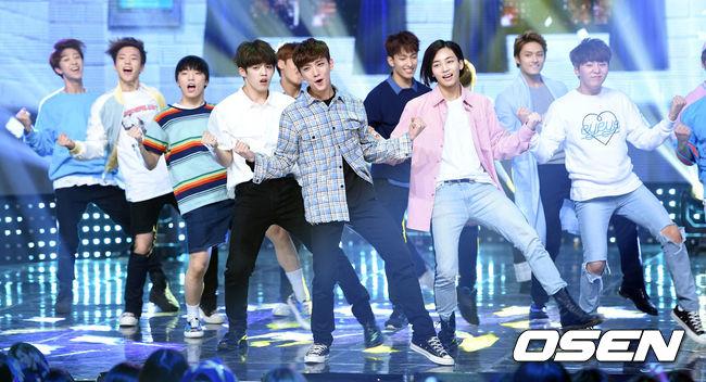 [PRESS] 160504 Seventeen 1st Win at MBC Show Champion #SEVENTEEN1stWin #PrettyU1stWin #세븐틴 #1위 #예쁘다 (57)