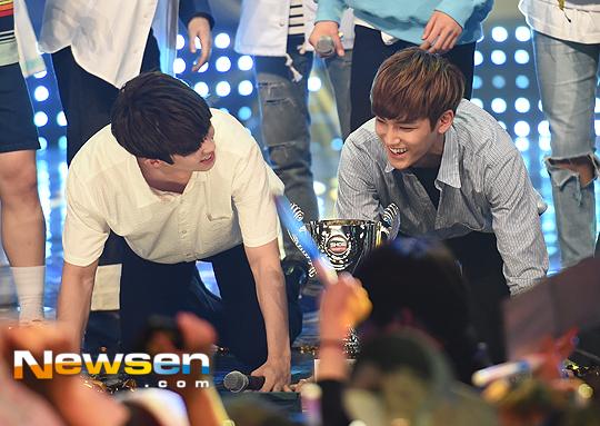 [PRESS] 160504 Seventeen 1st Win at MBC Show Champion #SEVENTEEN1stWin #PrettyU1stWin #세븐틴 #1위 #예쁘다 (68)