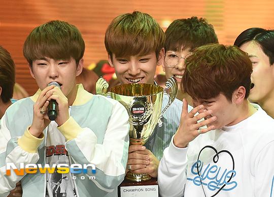 [PRESS] 160504 Seventeen 1st Win at MBC Show Champion #SEVENTEEN1stWin #PrettyU1stWin #세븐틴 #1위 #예쁘다 (70)