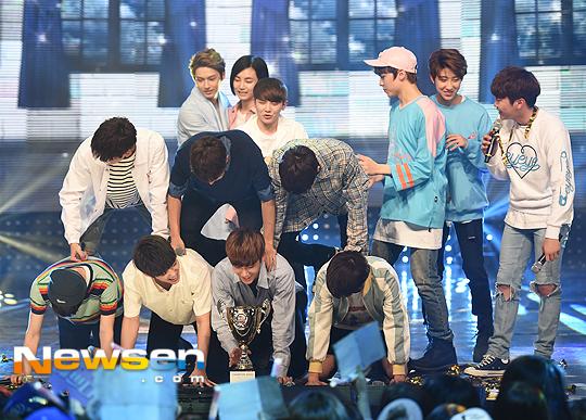 [PRESS] 160504 Seventeen 1st Win at MBC Show Champion #SEVENTEEN1stWin #PrettyU1stWin #세븐틴 #1위 #예쁘다 (71)