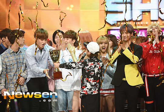[PRESS] 160504 Seventeen 1st Win at MBC Show Champion #SEVENTEEN1stWin #PrettyU1stWin #세븐틴 #1위 #예쁘다 (73)