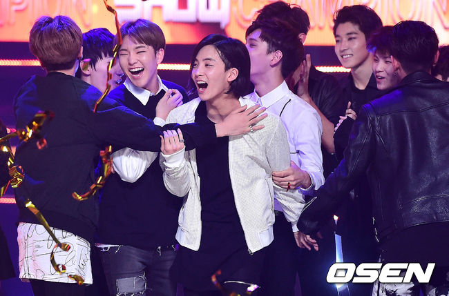 [PRESS] 160511 Seventeen 2nd Win at MBC Show Champion 47P #SEVENTEEN2ndWin #PrettyU2ndWin #세븐틴 #1위 #예쁘다 (35)