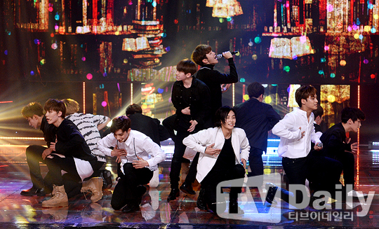 [PRESS] 160511 Seventeen 2nd Win at MBC Show Champion 47P #SEVENTEEN2ndWin #PrettyU2ndWin #세븐틴 #1위 #예쁘다 (9)
