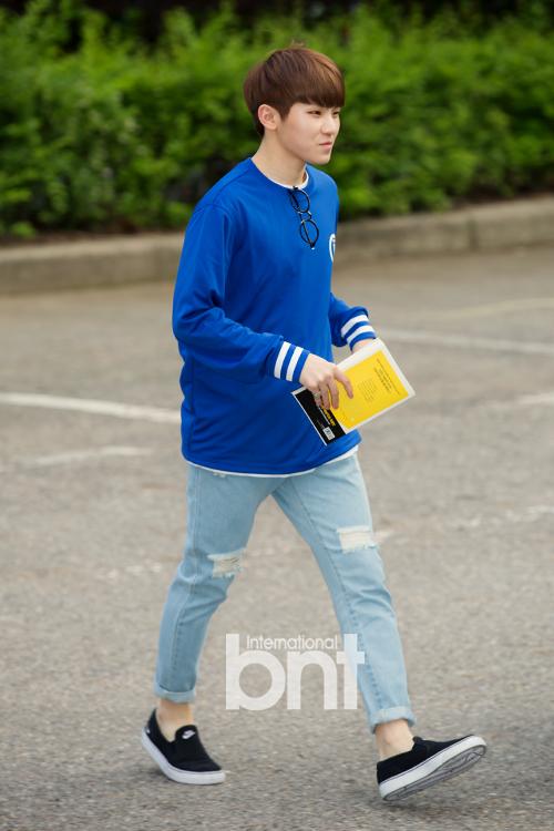 [PRESS] 160513 Seventeen heading to KBS Music Bank Rehearsal #세븐틴 #예쁘다 (11)