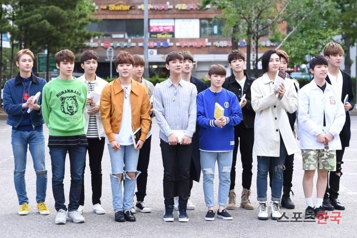 [PRESS] 160513 Seventeen heading to KBS Music Bank Rehearsal #세븐틴 #예쁘다 (20)