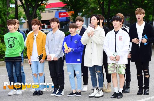 [PRESS] 160513 Seventeen heading to KBS Music Bank Rehearsal #세븐틴 #예쁘다 (23)
