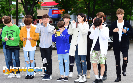 [PRESS] 160513 Seventeen heading to KBS Music Bank Rehearsal #세븐틴 #예쁘다 (26)