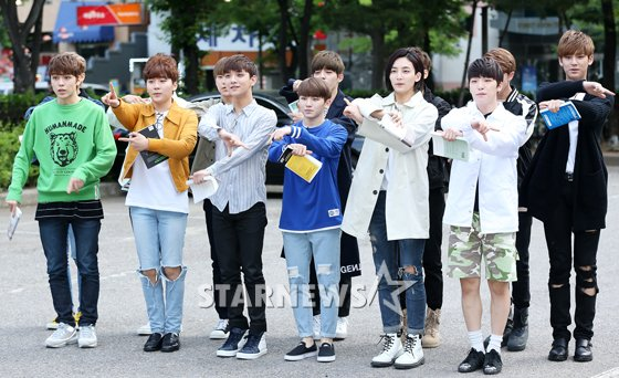 [PRESS] 160513 Seventeen heading to KBS Music Bank Rehearsal #세븐틴 #예쁘다 (31)
