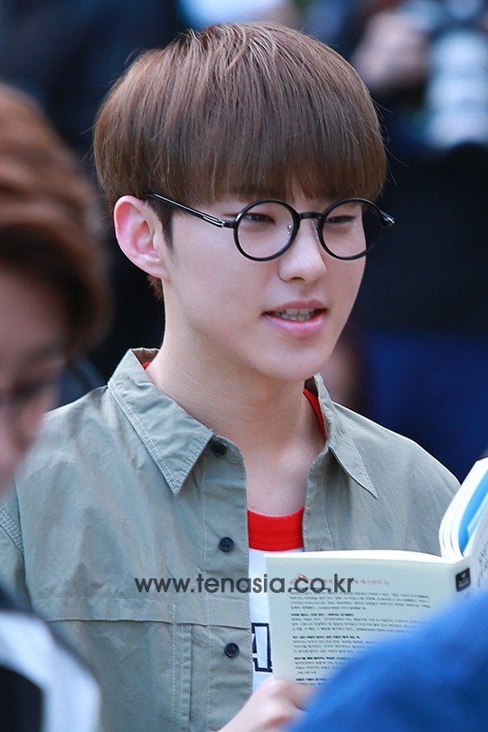 [PRESS] 160513 Seventeen heading to KBS Music Bank Rehearsal #세븐틴 #예쁘다 (33)
