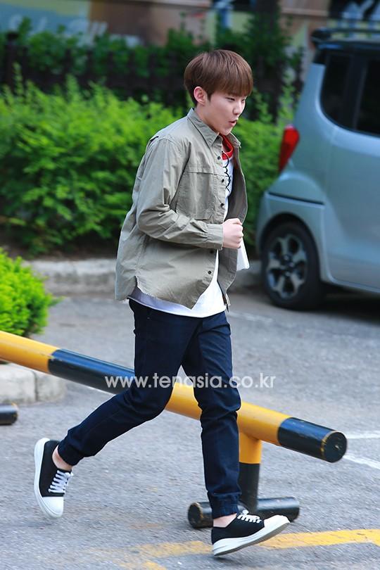 [PRESS] 160513 Seventeen heading to KBS Music Bank Rehearsal #세븐틴 #예쁘다 (34)