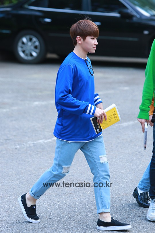 [PRESS] 160513 Seventeen heading to KBS Music Bank Rehearsal #세븐틴 #예쁘다 (42)