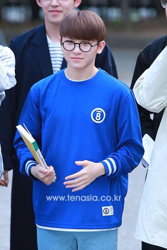 [PRESS] 160513 Seventeen heading to KBS Music Bank Rehearsal #세븐틴 #예쁘다 (43)