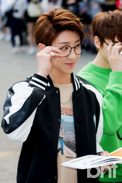 [PRESS] 160513 Seventeen heading to KBS Music Bank Rehearsal #세븐틴 #예쁘다 (53)